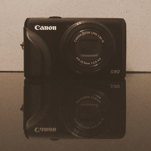 Canon Powershot S90- say hello to my little friend
