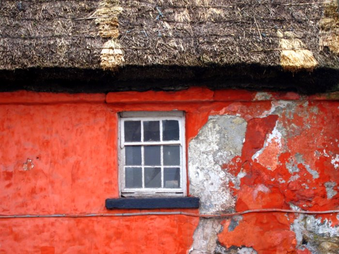 an old thatch cottage in inner city Galway