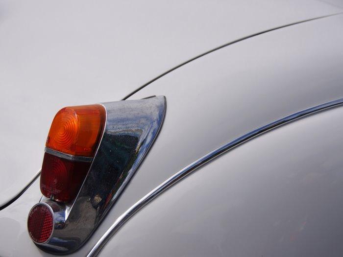 The White Stripes- classic Jaguar