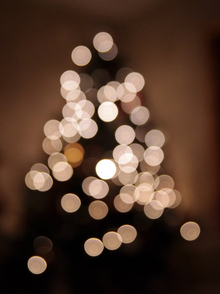 Messing with bokeh with my new lens (it's for Christmas but I had to try it out once)