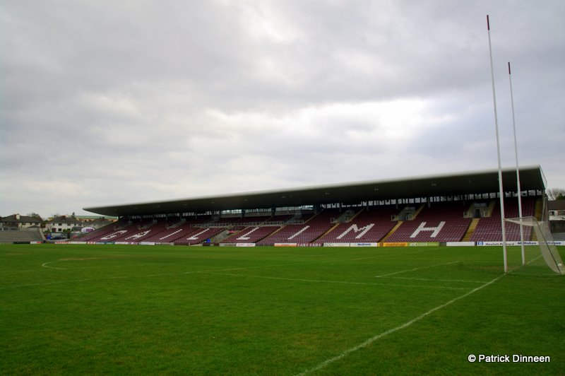 Pearse Stand Galway GAA Play It Low Into Joe ( Pearse Stadium Galway GAA )