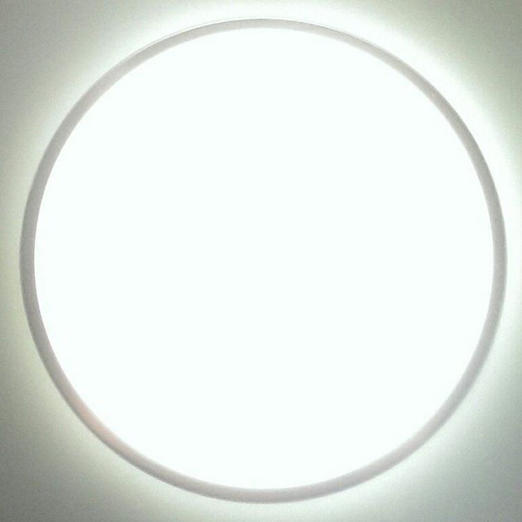 Dont go towards the bright light! white circle brightlight